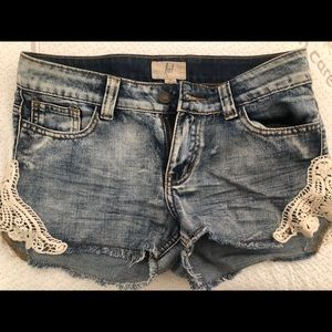 Pants - Women's jean shorts with lace detail. Size 26